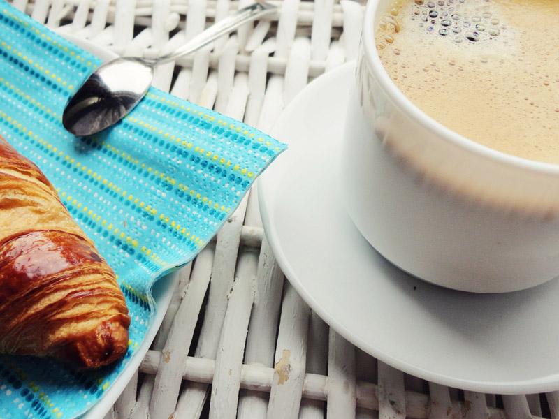 Kawa z syropem kokosowym