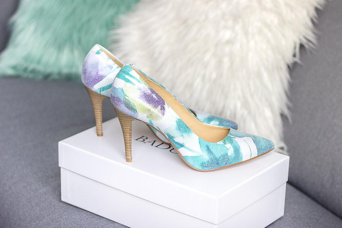 Buty ślubne w kwiaty
