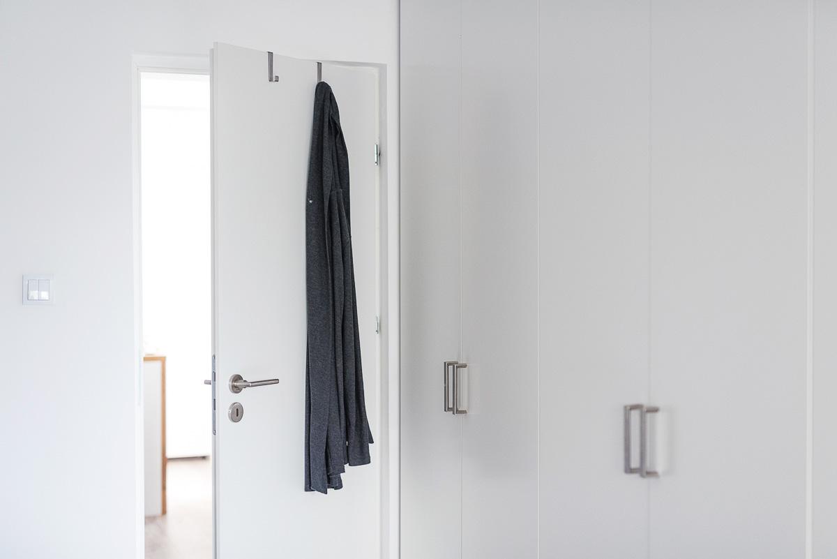 Haki na drzwiach